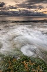 Buscando el remolino perfecto (Only Raw) (Carlos J. Teruel) Tags: sunrise mar mediterraneo amanecer nubes rocas lightroom marinas torrevieja d300 lr4 cabocervera xaviersam singhraydarylbensonnd3revgrad onlyraw carlosjteruel polarizadorlee105