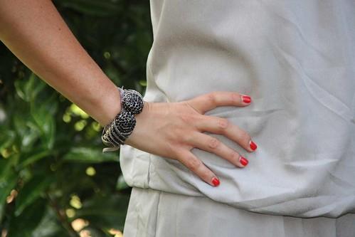 bracelets pierres noires st tropez