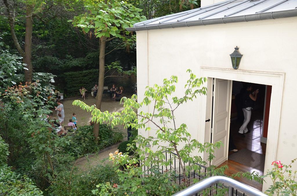 Vue sur le jardin et l'atelier