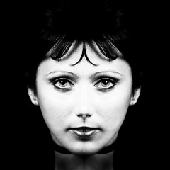 Cherchez l'erreur (Christine Lebrasseur) Tags: portrait people blackandwhite woman france art 6x6 face canon mirror symmetry fr onblack juliec gironde 500x500 ltytrx5 ltytr1 saintlo