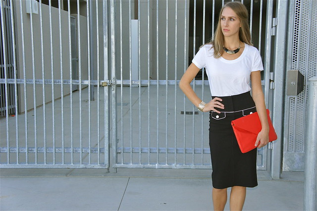 Pencil skirt with tee shirt