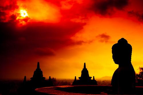[フリー画像素材] 芸術・アート, 彫刻・彫像, 朝焼け・夕焼け, 仏像, 仏教, 風景 - インドネシア ID:201110241000