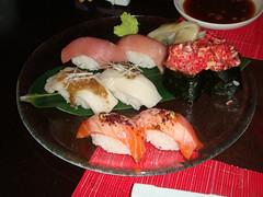 Nigiri de toro, pez mantequilla, salmon y Belli Salmon