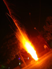 explosion (Adrakk) Tags: india festival fireworks cracker diwali firecracker pétard inde feudartifice pataka dipavali