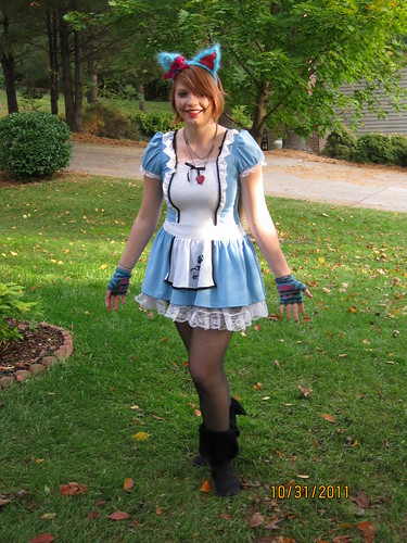 2011 Halloween: Cheshire Cat Alice