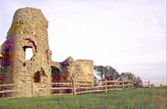 "Pevensey Castle • <a style=""font-size:0.8em;"" href=""http://www.flickr.com/photos/59278968@N07/6326186220/"" target=""_blank"">View on Flickr</a>"