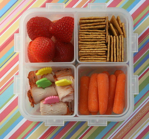 another lunch lock and lock bento boxes a few yummy lunches. Black Bedroom Furniture Sets. Home Design Ideas