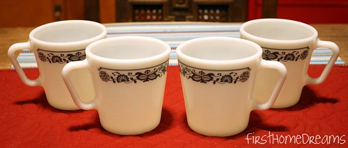 Pyrex Old Town Blue Mugs