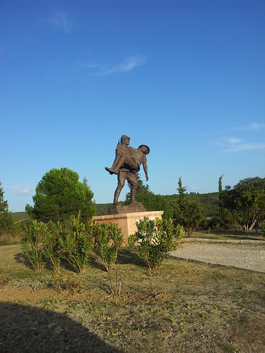 Hősi szobor