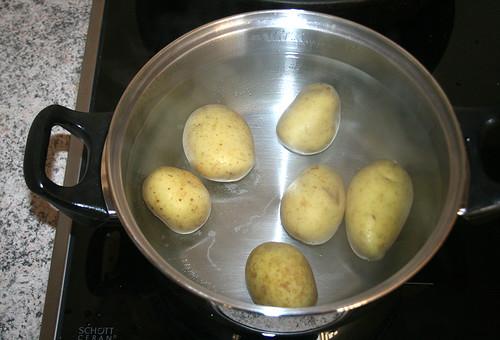22 - Kartoffeln in Salzwasser kochen