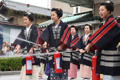 Do your best ! (Teruhide Tomori) Tags: japan kyoto maiko geiko    gion firefightingtraining