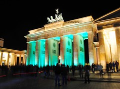 Brandenburg Gate in Berlin at night (Tobi_2008) Tags: berlin brandenburger tor brandenburg gate festival lights deutschland germany allemagne germania supershot artistoftheyearlevel2