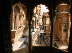 Windows to Desert City (io747) Tags: india window sandstone desert fenster opium sandstein indien jaisalmer rajasthan haveli durchblick reichtum wstenstadt dersertcity