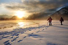 Landscape photographers (VictorLiu Photography) Tags: winter snow canada mountains clouds sunrise photographer footprints banff canadianrockies vermilionlake nikond700 nikkor1424