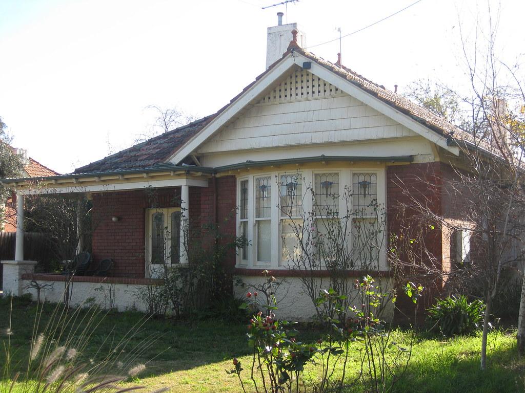 A Queen Anne Style Villa - The Grove, Coburg
