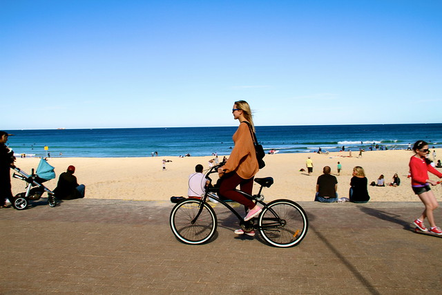 bondi girls on bikes 6652