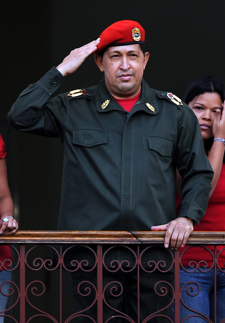 Presidente Chávez Frías en el balcón del pueblo Miraflores