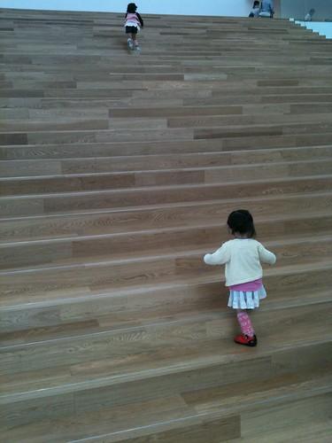 カップヌードルミュージアムの階段
