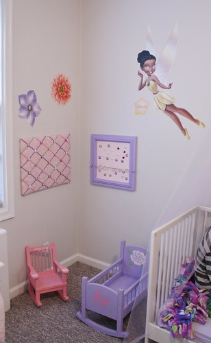 putting it all together - Lexie's room (10)