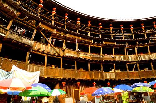 .....中國第一奇樓,東歪西斜700年裕昌樓.....