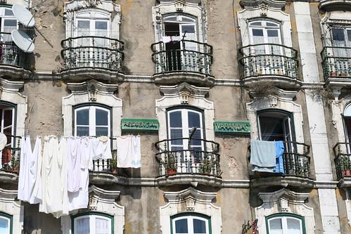 lisbon - laundry day