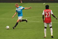 Seb Larsson & Gervinho (Ronnie Macdonald) Tags: football soccer emirates arsenal sunderland gunners sebastianlarsson ronmacphotos barclayspremierleague gervinho