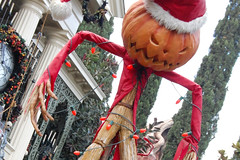 The Pumpkin King (PirateTinkerbell) Tags: california christmas ca winter holiday cold halloween square pumpkin jack outside nbc scary nikon holidays december ride disneyland katie neworleans ghost scarecrow saturday disney line haunted creepy queue 09 doom jackskellington ghosts mansion anaheim dslr hm 2009 dl dlr nos christmastime hauntedmansion nightmarebeforechristmas neworleanssquare 125 skellington hauntedmansionholiday hmh disneylandresort 1209 disneylandpark d40 doombuggy 12509 december5 skeletonjack disneyparks nikond40 disneylandchristmas 122009 december2009 disney2009 disneylandwinter disneyland2009 1252009 piratetinkerbell disneyparks2009