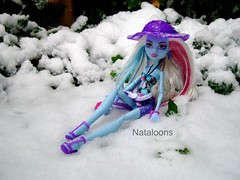 Skull Shores Abbey (Nataloons) Tags: snow abbey fashion monster club skull high doll shores mattel monsterhigh bominable abbeybominable skullshores