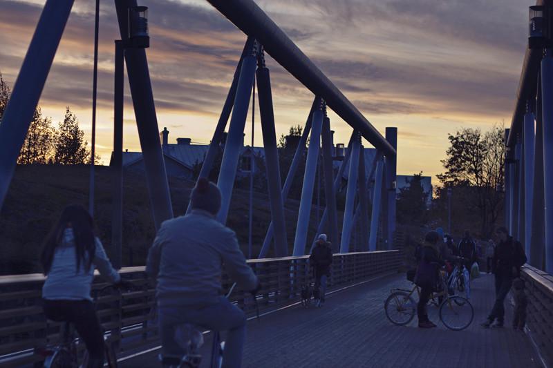 Anochece en bicicleta