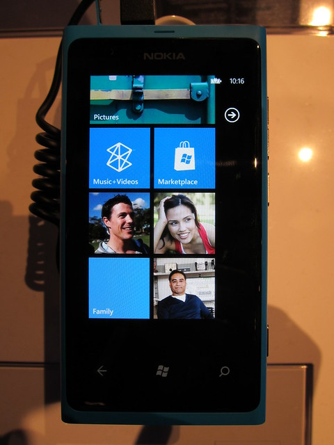 I Like The Blue Nokia Lumia 800!