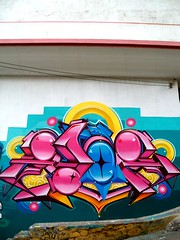 Zade (COLOR IMPOSIBLE CREW) Tags: chile west graffiti valparaiso crew 012 maher valpo zade lrm 2011 aner fros gvz larobotdemadera alapinta