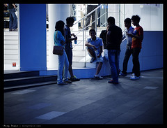 _PM02150 copy (mingthein) Tags: life street people digital four bokeh availablelight streetphotography photojournalism olympus micro malaysia pj kuala kl ming zuiko lumpur 43 bukit bintang reportage thirds m43 onn zd mft 4518 pm1 thein photohorologer microfourthirds mingtheincom epm1 zuiko4518