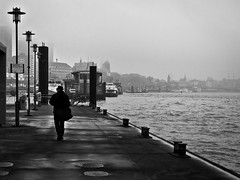lonely walker // harbour, hamburg (pamela ross) Tags: morning mist silhouette fog pen river walking harbour walk hamburg olympus anleger stpauli elbe fischmarkt altona kiez ep1