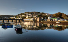 Autumn view of Looe Bridge (rosyrosie2009) Tags: uk autumn sea england seascape water reflections photography coast nikon flickr cornwall photos hdr gettyimages looe westcountry coastpath eastlooe devonandcornwall westlooe d5000 rosiesphotos looeriver nikond5000 tamronspaf1024mmf3545diiildasphericalif looebridge rosiespooner rosyrosie2009 rosemaryspooner rosiespoonerphotography