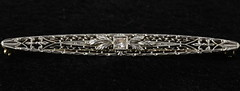 4027. Vintage 14KT Diamond Bar Pin