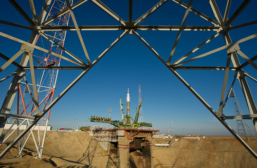 Expedition 29 Soyuz Rollout (201111110022HQ)