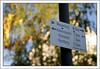 """Ratespiel """"Stauferkreis"""" (weha) Tags: deutschland nikon schild baum wandern wanderung wegweiser badenwürttemberg schwäbischealb göppingen hohenstaufen rechberg wasserberg eislingen wanderwegweiser ottenbach weha schwäbischeralbverein stauferkreis"""