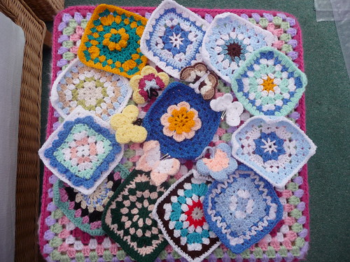 jean nock (UK) Your Squares, Butterflies and 'a Blanket' arrived Today! Thank you!