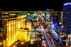 Las Vegas (Eddie 11uisma) Tags: las vegas 2 canon long exposure cityscape nightscape mark ii strip 5d landsscape