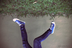 falling up (syazathebinx) Tags: jump levitation sneakers topsyturvy jumpshot