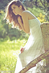 touch of summer (AngelVargas) Tags: light portrait luz beauty face look angel canon photography design photo glamour soft foto retrato style fotografia vargas shape mirada aire imagen belleza elegance romantica elegante figura stilo delicada sutil angelvargas lentelenses