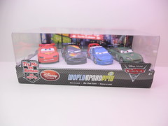 dinsey cars 2 disney store light up racers lightning max raoul nigel (1) (jadafiend) Tags: cars scale kids movie model disney animation lightup collectors adults exclusive theking sets playset disneystore diecast cars2 10car lightningmcqueen lewishamilton 4car siddley dinoco chickhicks rpm64 sidewallshine clutchaid nostall trunkfresh easyidle transberryjuice finnmcmissle raoulcaroule jeffgorvette maxschnell nigelgearsley miguelcamino spyshootout
