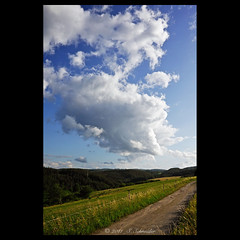 Die Wolke - The Cloud [explored] (Sebastian.Schneider) Tags: sky cloud nature clouds germany landscape deutschland evening abend scenery skies hessen cloudy outdoor country natur himmel wolke wolken scene explore land landschaft wolkig erdbach mittelgebirge ldk explored entdecken drausen medenbach lahndillkreis amdorf lahndill mygearandme mygearandmepremium mygearandmebronze mygearandmesilver mygearandmegold ringexcellence
