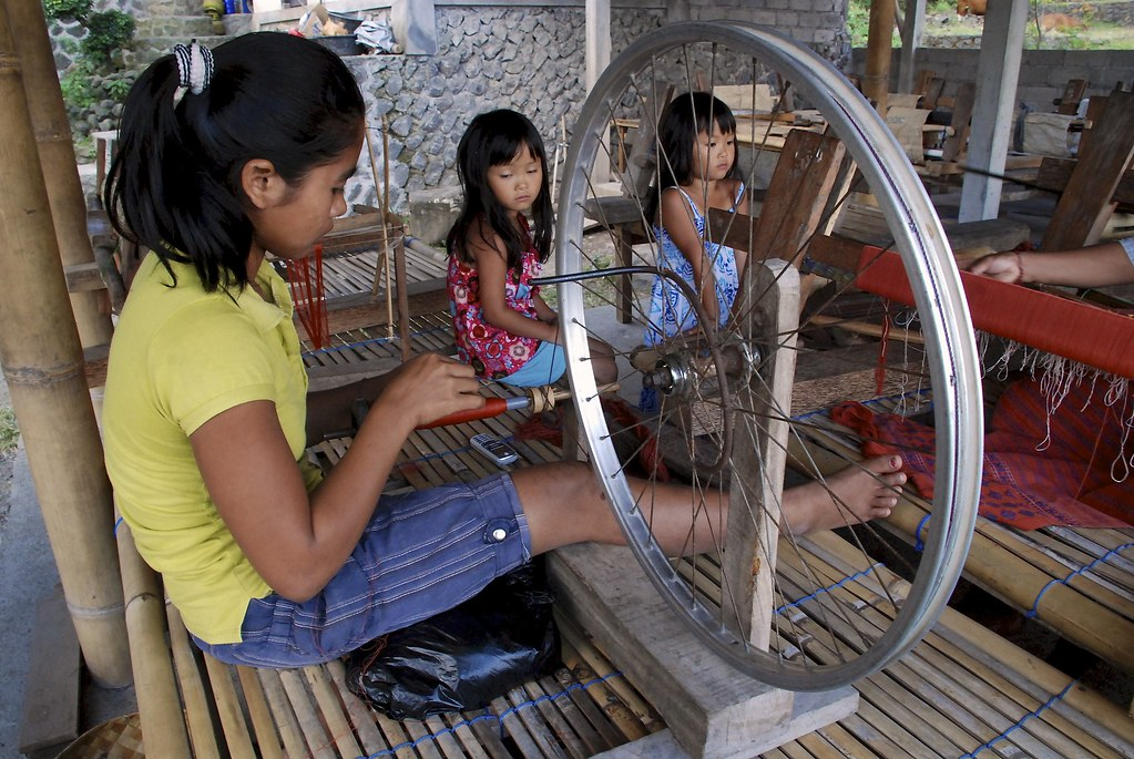 Spinning Cotton with a Bike Rim