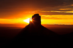 East Mitten sunrise, Monument Valley, Arizona (epjk) Tags: travel sunset arizona sky panorama usa southwest nature yellow clouds sunrise canon landscape nationalpark sandstone unitedstates tripod natura canyon viaggi notturne 5dmkii