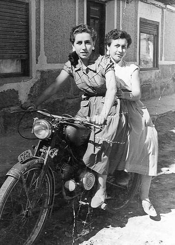 Chicas en moto