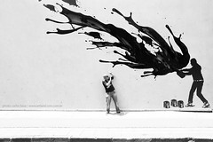 splashhh (artland) Tags: street city cidade brazil people bw white muro art paran wall brasil studio blackwhite nikon grafitti outdoor cities pb sidewalk curitiba stop getty rua parana splash blac tinta parede pintura gettyimages cwb pinturas artland ruas tintas balde gettyimage d300 whiteblack bezz carlosbezz artlandstudio gettyimagesbrasil