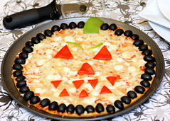 Halloween Pizza (Recipe Snob) Tags: party halloween cheese recipe jack fun idea o meals pizza meal lantern recipes simple ideas entree entrees