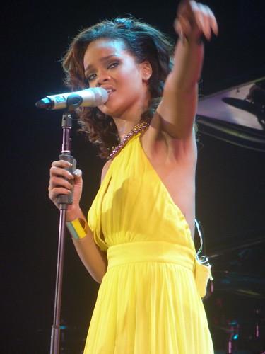 rihanna - bercy 2011 - 41