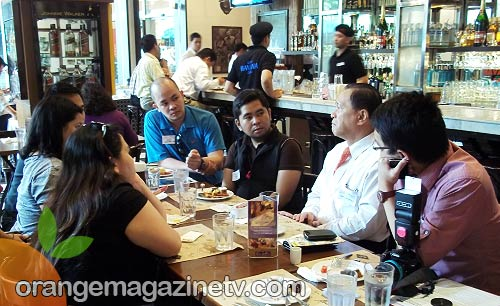 Fellow bloggers listening to BPI SVP and Head of Family Auto Loans Department David Sarmiento